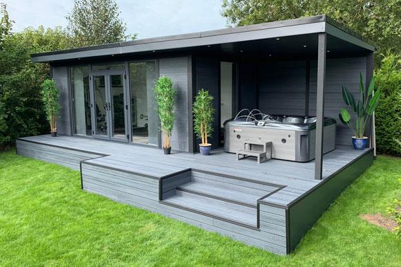 Hot Tub Garden Studio Southampton
